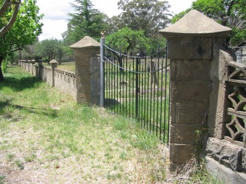 Ashbrick cement fence