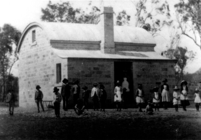 Pyangle Beehive School-kandos-history